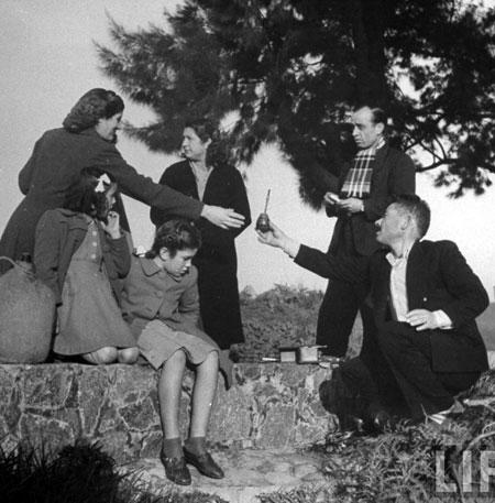 pijący yerba mate - buenos aires 1943